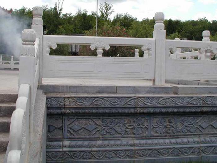 石护栏施工要遵守的安全标准是什么